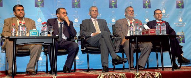 Pas de progression notable des islamistes au Maroc, selon un sondage d'opinion