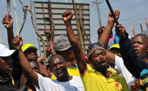 Afrique du Sud : les mineurs d'Amplats poursuivent la grève