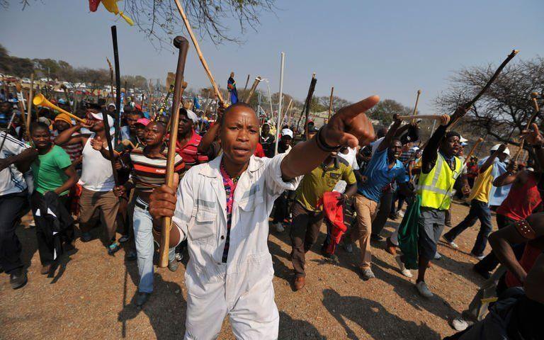 Afrique du Sud : les mineurs d'Amplats en ordre de bataille