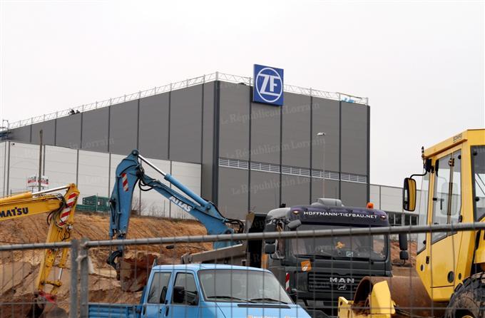 Allemagne : ZF crée un millier de postes en Sarre