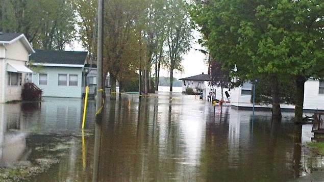 Canada : douloureuses répercussions des inondations en Alberta sur l'économie