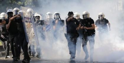 La police turque réussit à reprendre le contrôle de la place Taksim à Istanbul
