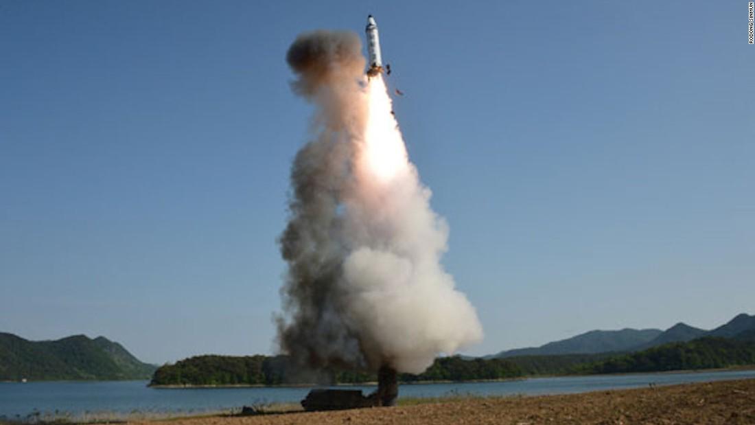 La Corée du Nord lance un nouveau missile balistique