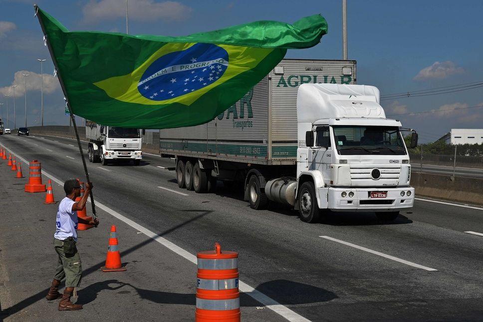 Brésil : retour progressif à la normale après la grève des camionneurs