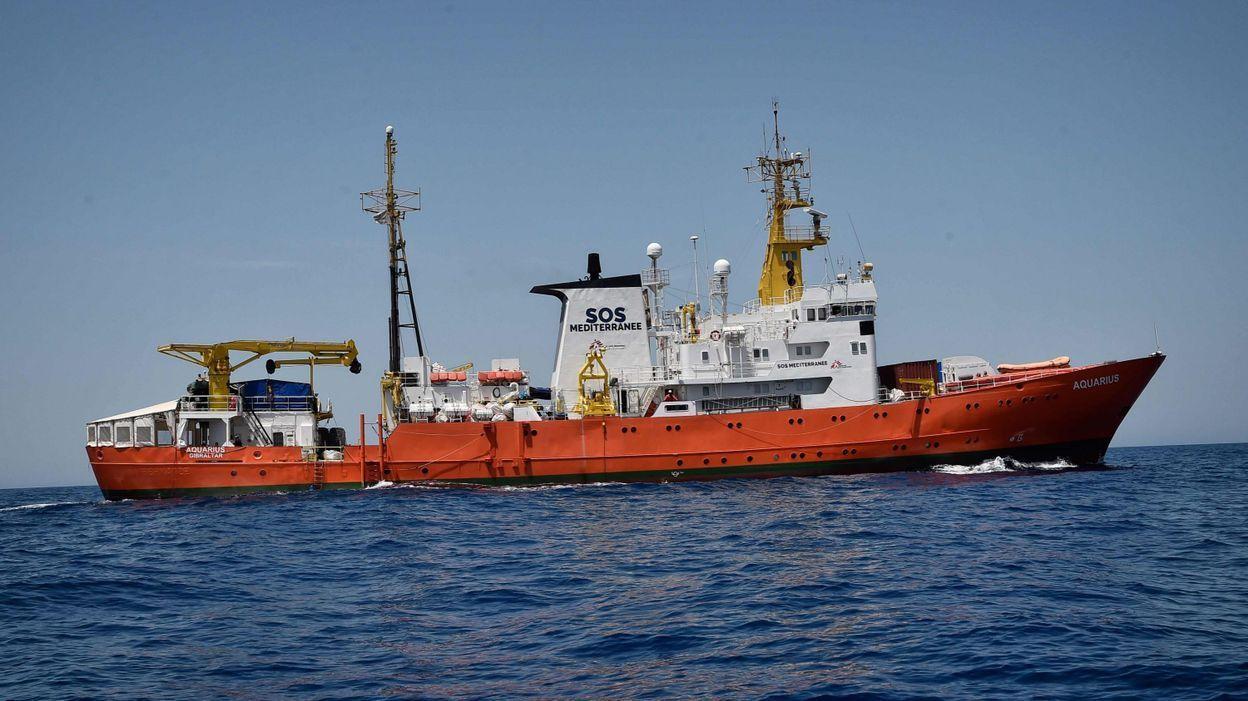Un bateau italien avec 66 clandestins à bord interdit d'accoster en Italie