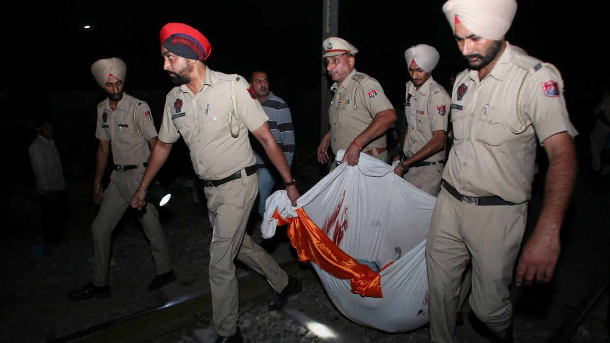Inde : une soixantaine de tués dans la collision d'un train avec une foule