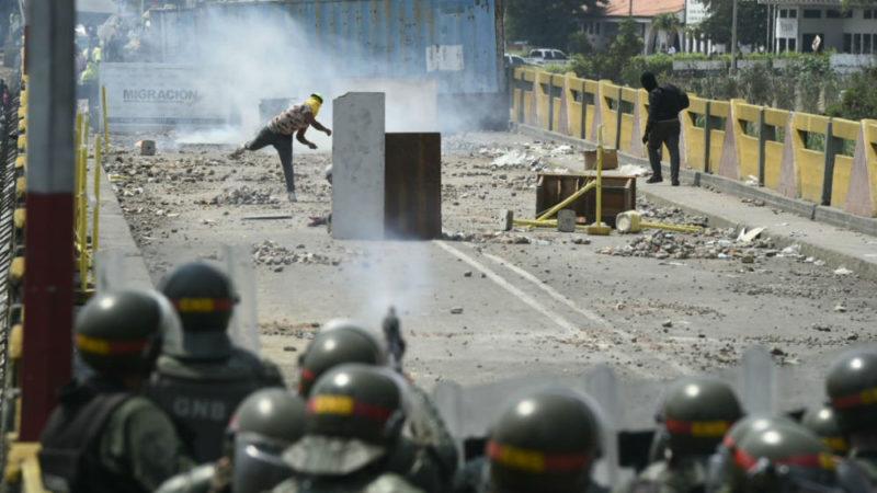 Le président vénézuélien Maduro sous pression internationale