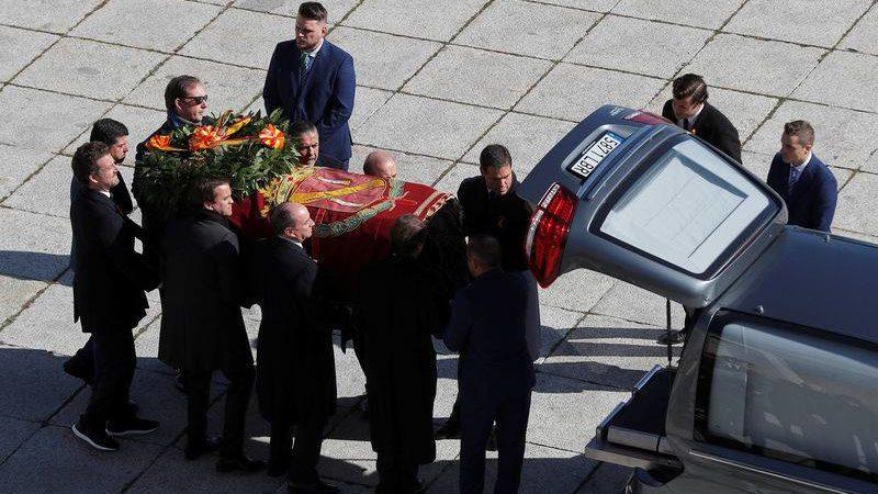 Espagne : La dépouille de l'ancien dictateur Franco exhumée après une année de bataille judiciaire
