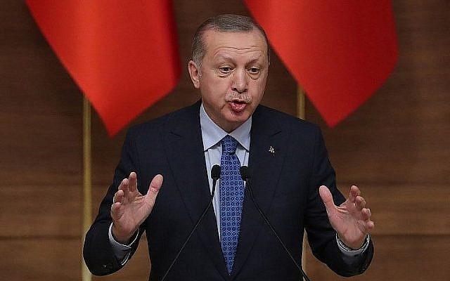 Recep Tayyip Erdogan menace de bloquer les bases américaines en Turquie