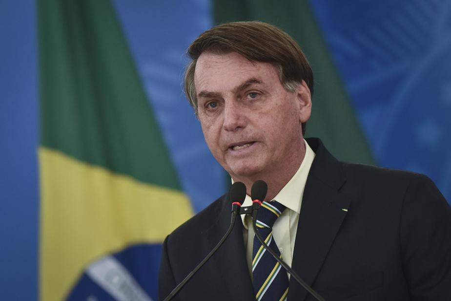 Brésil : le président Bolsonaro nomme de nouveaux commandants des forces armées