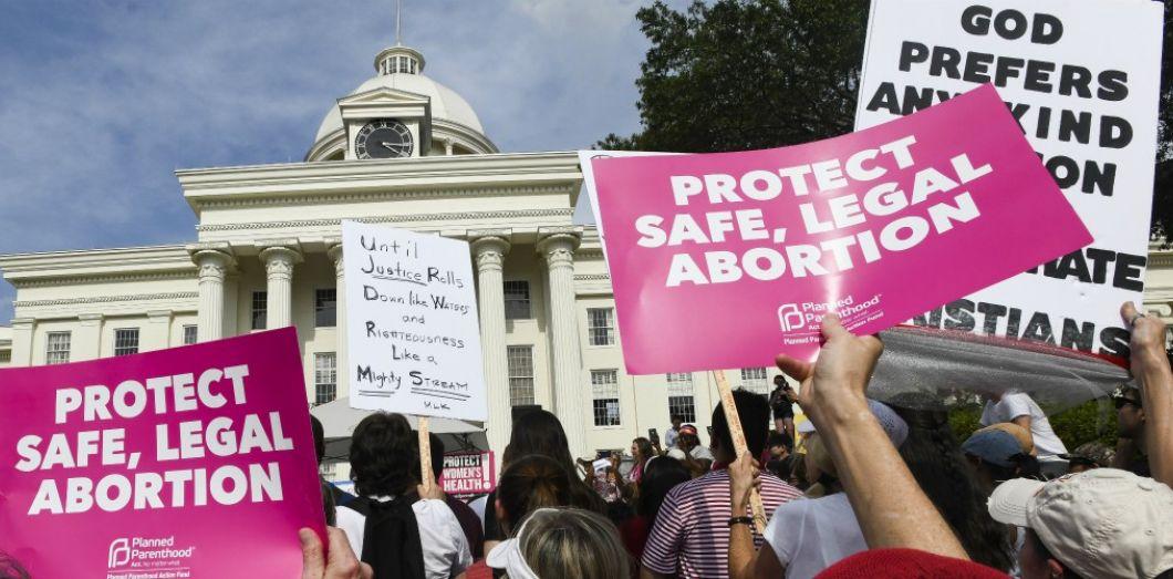 Etats-Unis : La Cour suprême sollicitée par les partisans de l'avortement en pleine crise sanitaire