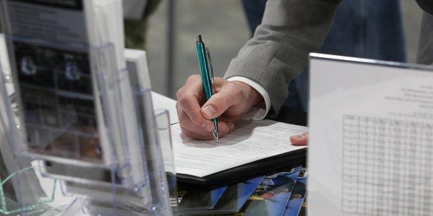 Covid-19 : Environ 10 % de la population active américaine au chômage