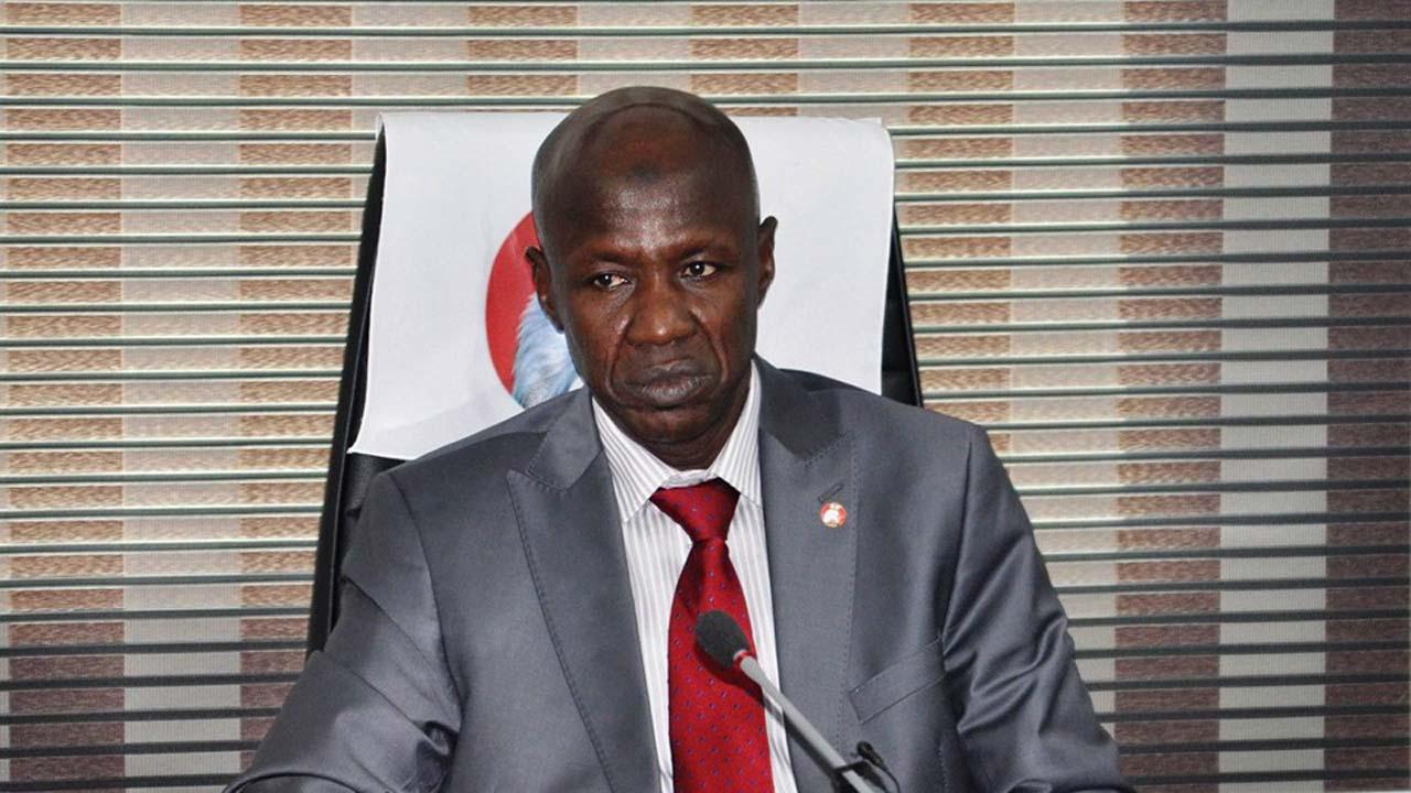 Le patron de l'Agence anticorruption au Nigeria soupçonné de malversations