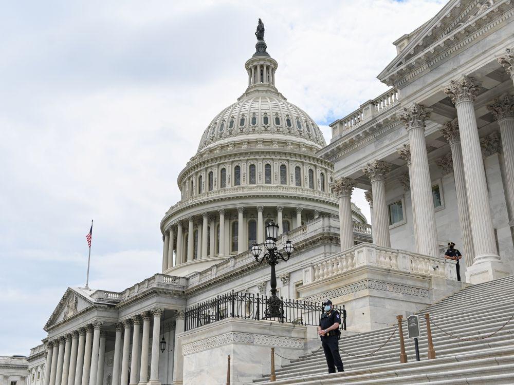 Les élus démocrates et républicains se mettent d'accord sur un plan de soutien à l'économie américaine