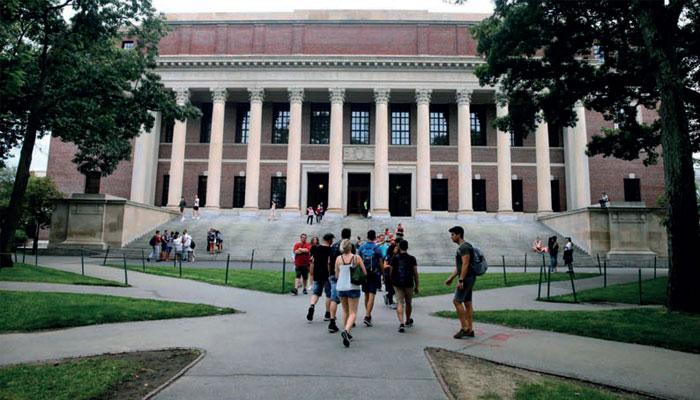 Covid-19 : le gouvernement américain fait marche arrière sur les visas des étudiants étrangers
