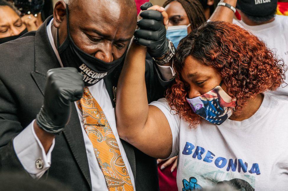 Etats-Unis : dédommagement record pour les proches de Breonna Taylor, abattue par la police
