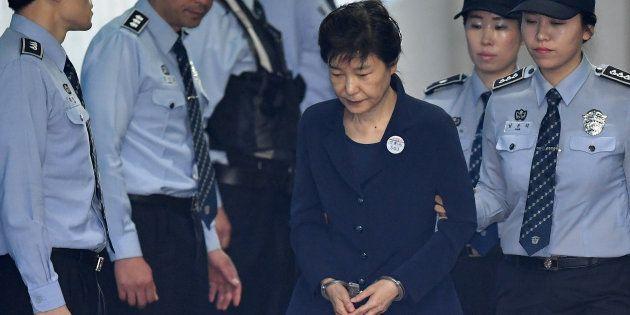 Corée du Sud : La Cour suprême confirme la condamnation à 20 ans de prison de l'ex-présidente Park Geun-hye