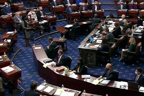 Le Sénat américain juge conforme à la Constitution le procès en destitution de Donald Trump