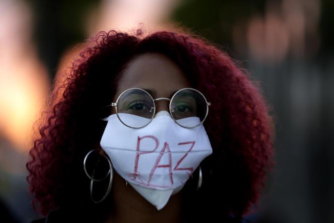 Des milliers de Brésiliens protestent contre le racisme et la brutalité des forces de l'ordre