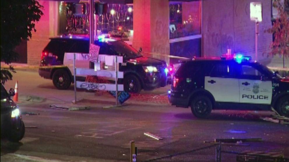 Etats-Unis : Une voiture percute des protestataires antiracistes à Minneapolis