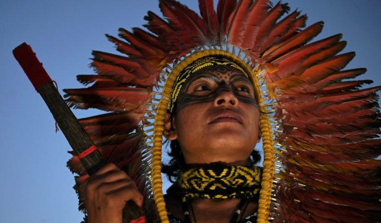 Les indigènes brésiliens en pleine semaine de protestations à Brasilia