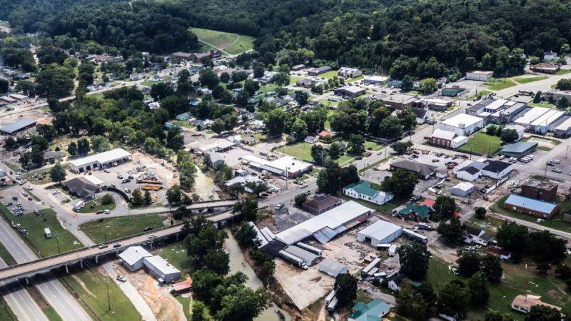Etats-Unis : des inondations « historiques » dans le Tennessee font au moins 21 morts
