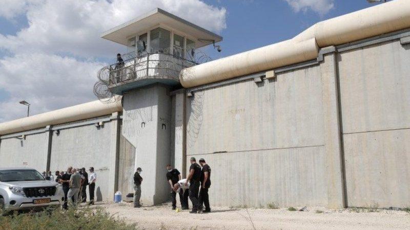 Israël : Chasse à l'homme après l'évasion de six Palestiniens d'une prison de haute sécurité