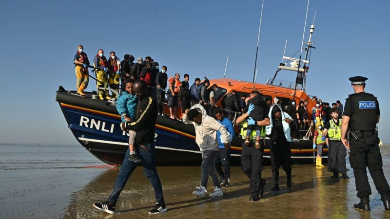 Le Royaume-Uni veut refouler les migrants en pleine mer